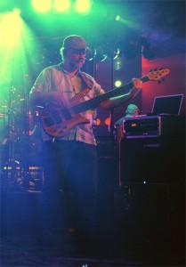 Bassist Rob Geerts